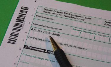 Zwrot podatku z Austrii – ile i komu przysługuje?